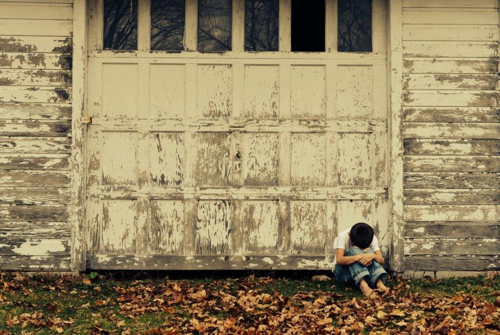 Ce gândeşte un copil când e pedepsit_copil suparat