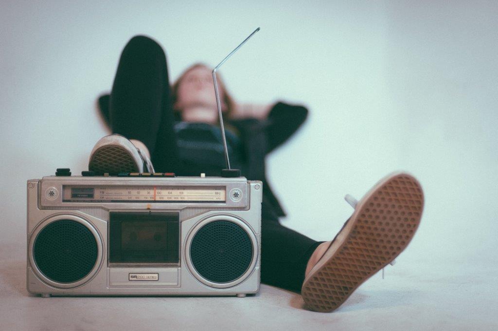 La Radio cu Andreea Esca Iv cel Naiv