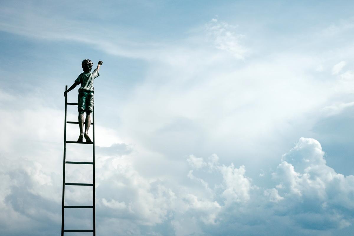Ce înseamnă Growth Mindset și cum îl cultivăm_scara spre cer