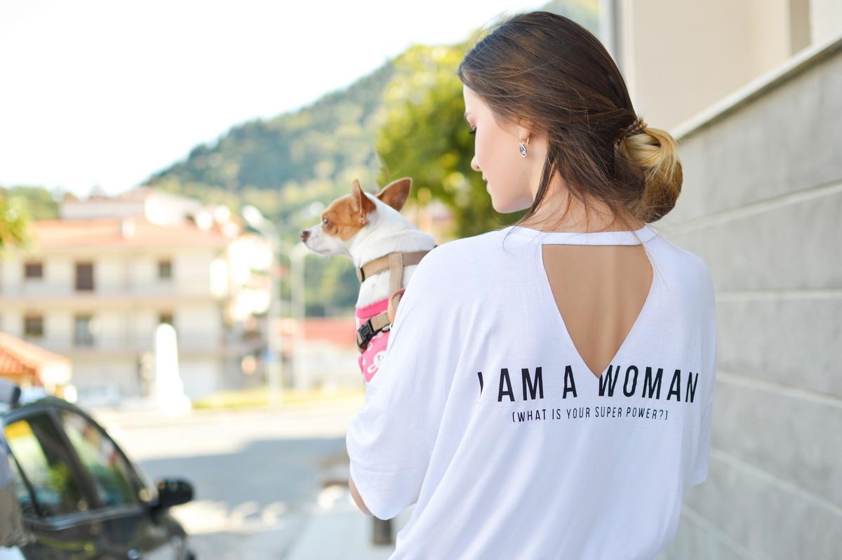 [Guestpost] 1 milion de femei independente prin FemeiaIndependenta.ro _ seria În spatele cortinei_femeie puternica