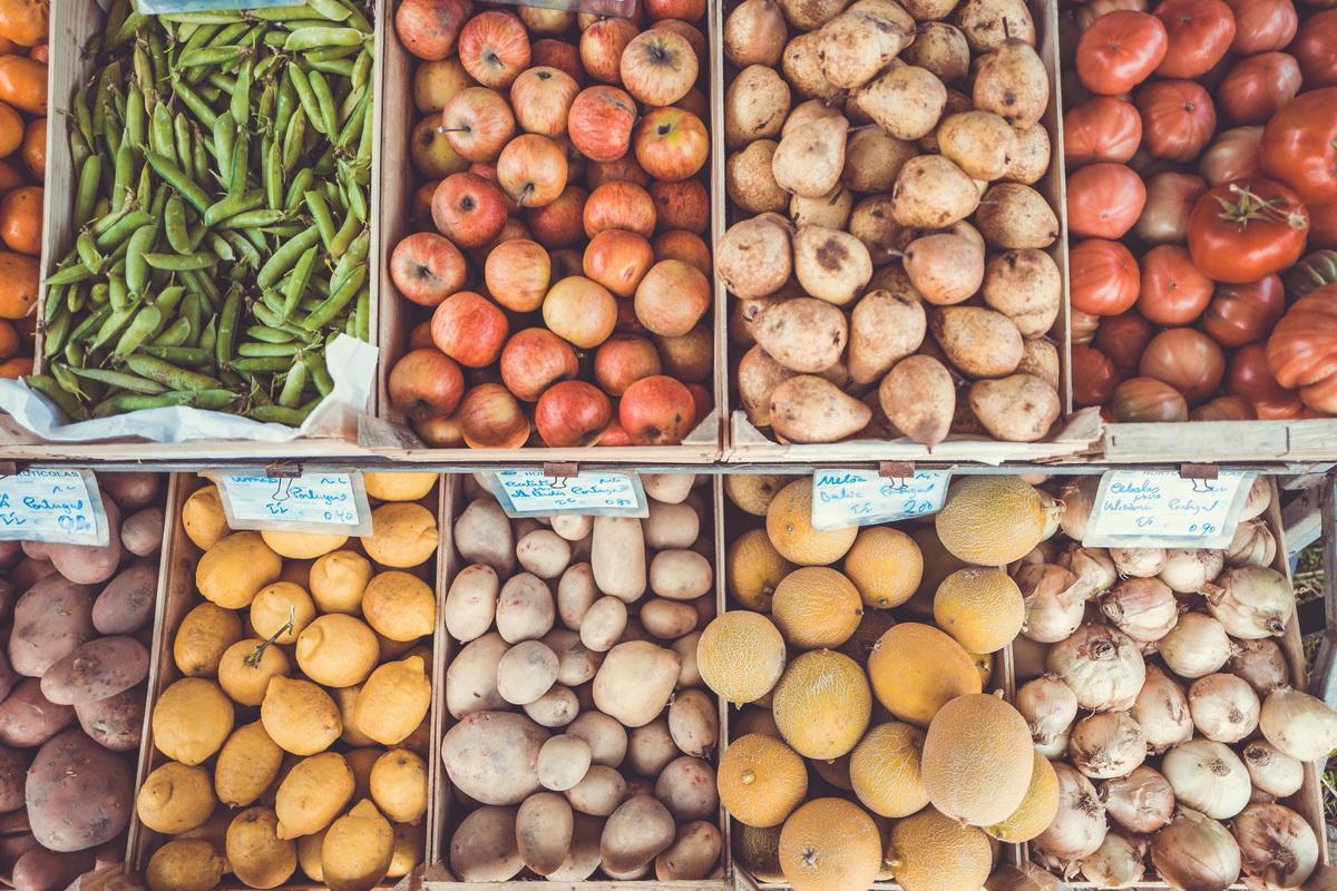 19 idei care o să te ajute să economisești la supermarket_legume la supermarket