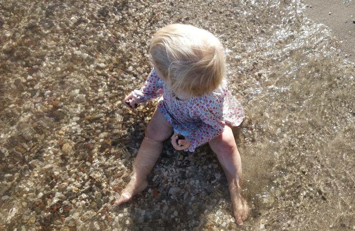 Tu cum vrei să fie copilul tău_copil in apa