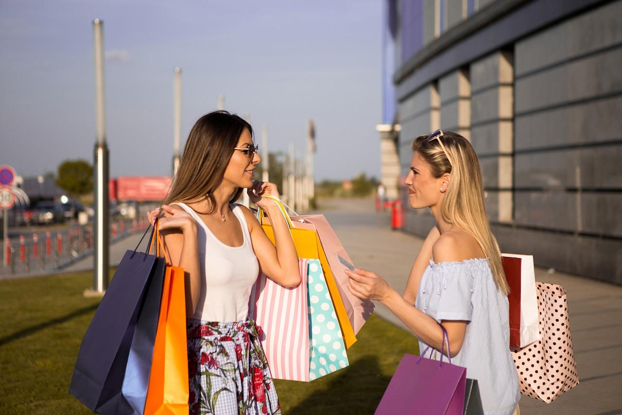 Cele mai bune metode de economisire Top 7 idei din curtea mea_fete fericite la cumparaturi