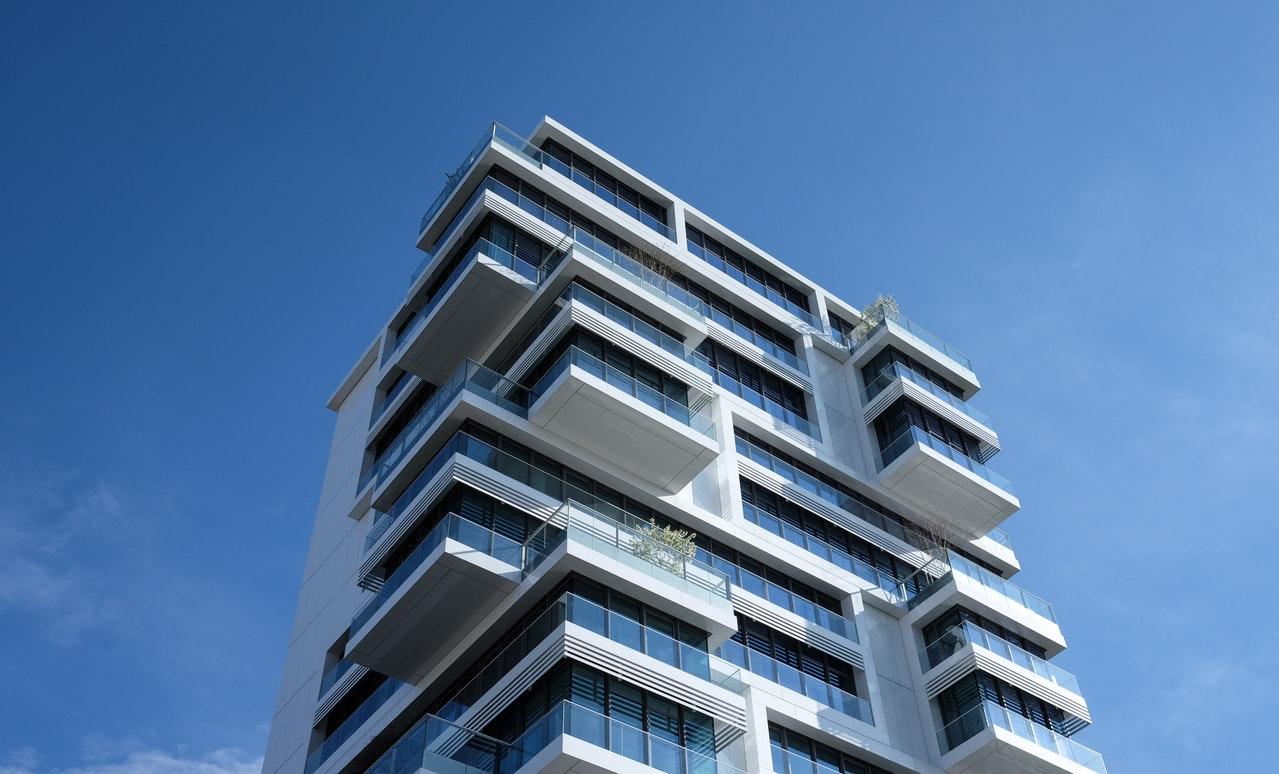 Economisim Împreună cu Maria_apartament cu multe etaje