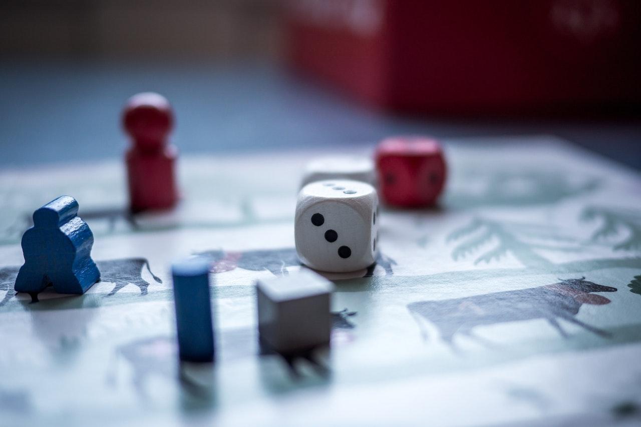 Cum-să-îți-atragi-partenerul-în-jocul-economisirii-merge-și-pentru-partenereprovocare-de-economisire