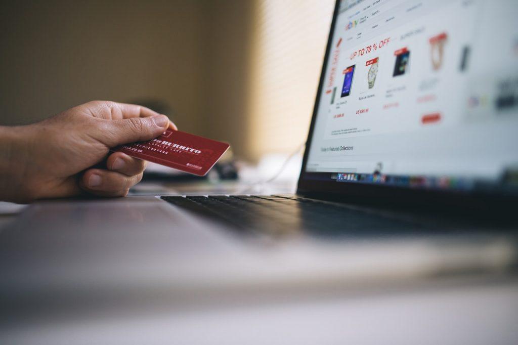 cumpărături online, cu cardul