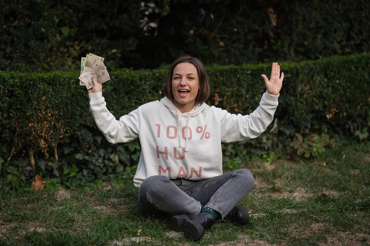 10-zile-fără-cheltuieli-impulsive-324-de-femei-au-spus-Da_natalia-dabija-si-banii