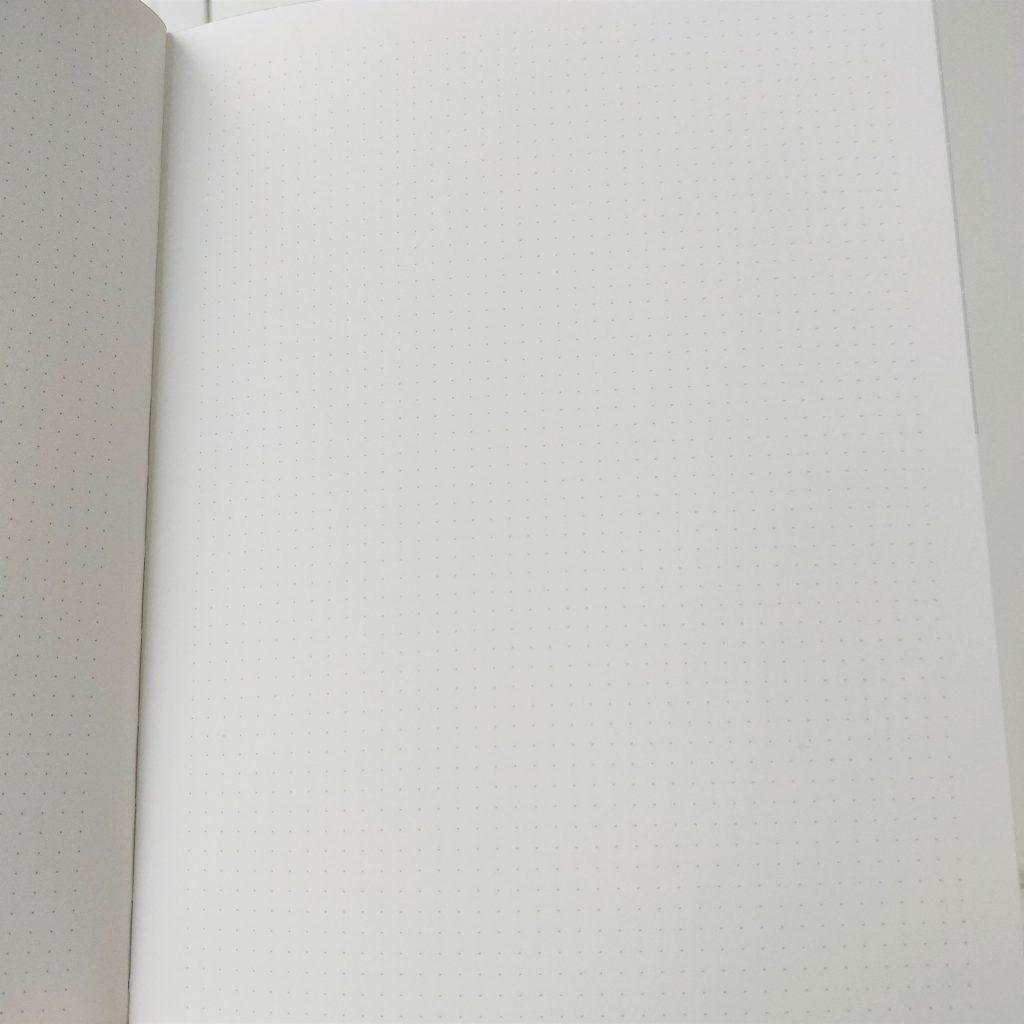 Cum arată agenda Nuuna pe interior: este punctată (dotted).